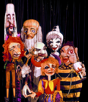 Group of marionettes / The Düsseldorf Marionettes